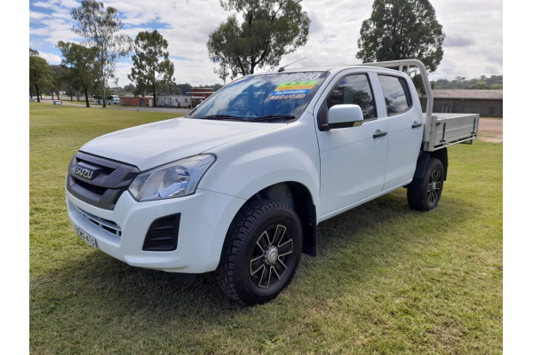 2017 Isuzu UTE D-MAX 4x2 SX Crew Cab Chassis High-Ride Cab chassis Image 3