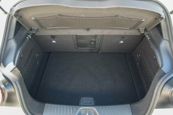 2015 MY06 Mercedes-Benz A-Class W176 806MY A200 DCT Hatchback Image 4
