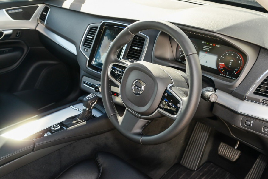 2017 MY18 Volvo XC90 L Series T6 Momentum Suv Mobile Image 6