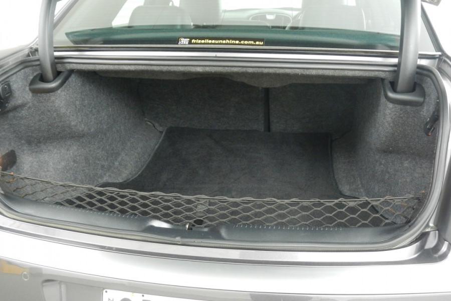 2012 MY13 Chrysler 300 LX C Sedan Mobile Image 19