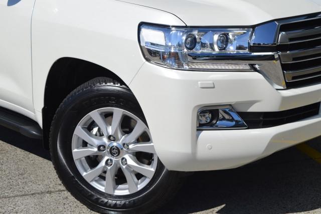 2016 Toyota Landcruiser VX 24 of 25