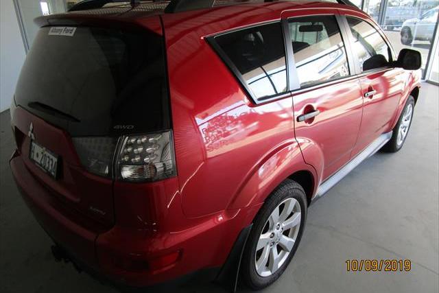 2011 Mitsubishi Outlander ZH  LS Suv Image 5