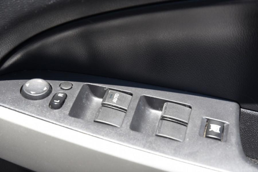 2012 Mazda 2 DE10Y2 MY12 Neo Hatchback Image 17