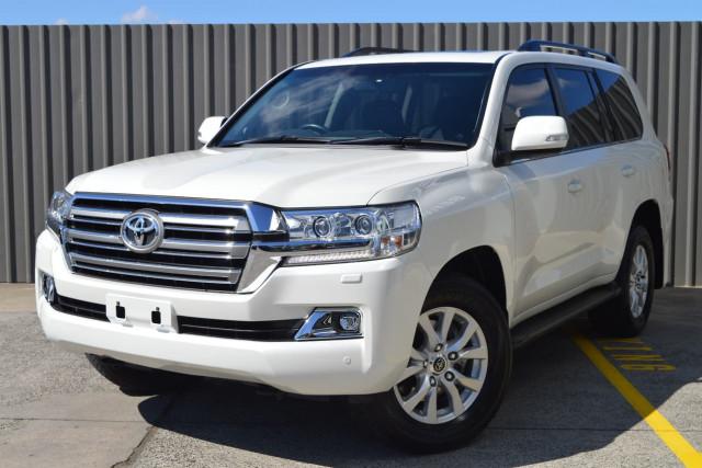 2016 Toyota Landcruiser VX 20 of 25