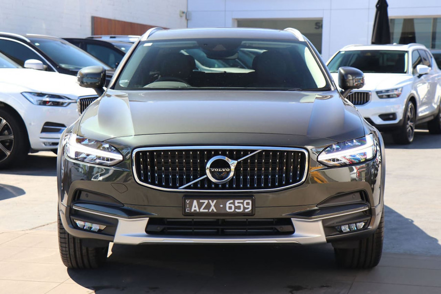 2019 Volvo V90 Cross Country D5 Wagon Mobile Image 2