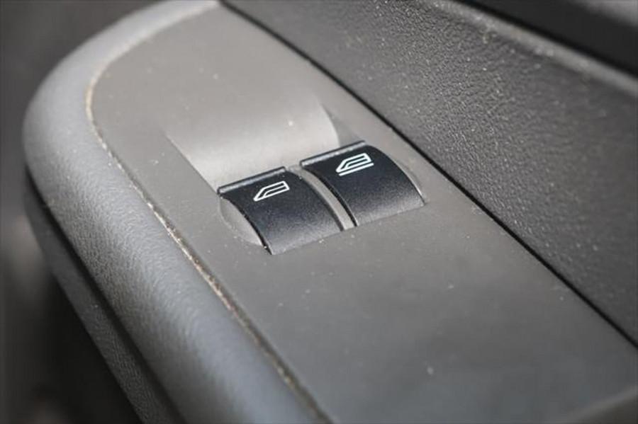 2007 Ford Focus LT CL Sedan Image 18