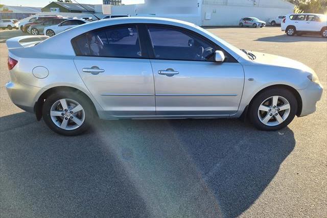 2004 Mazda Mazda3 BK10F1 Maxx Hatchback Image 4