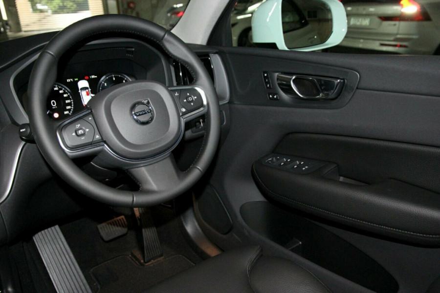 2019 MY20 Volvo XC60 UZ D4 Momentum Suv Mobile Image 6