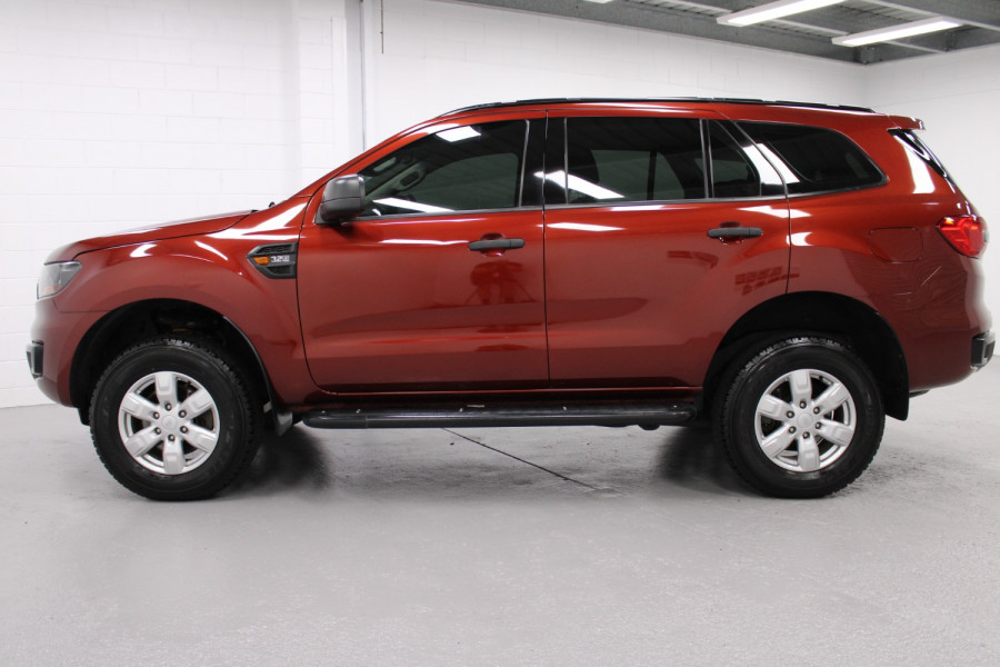 2015 Ford Everest Ambiente Image 3