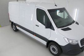 Mercedes-Benz Sprinter MWB M-B 311 VS30