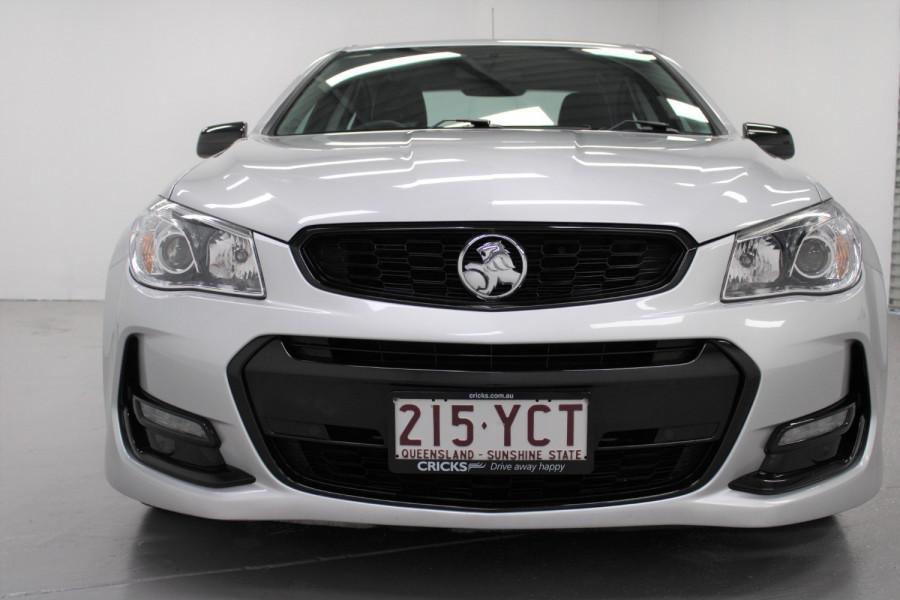 2016 Holden Commodore Black Image 1