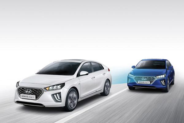 IONIQ Plug-In Hybrid Hyundai SmartSense safety.