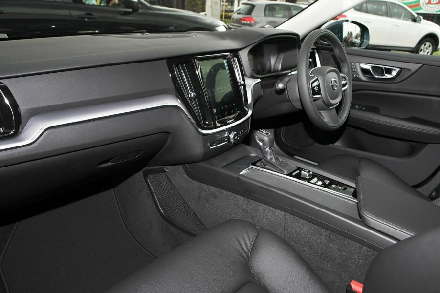 2019 MY20 Volvo V60 (No Series) T5 Momentum Wagon Mobile Image 7