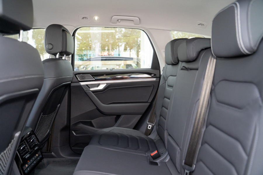 2020 MY21 Volkswagen Touareg CR 170TDI Suv Image 15
