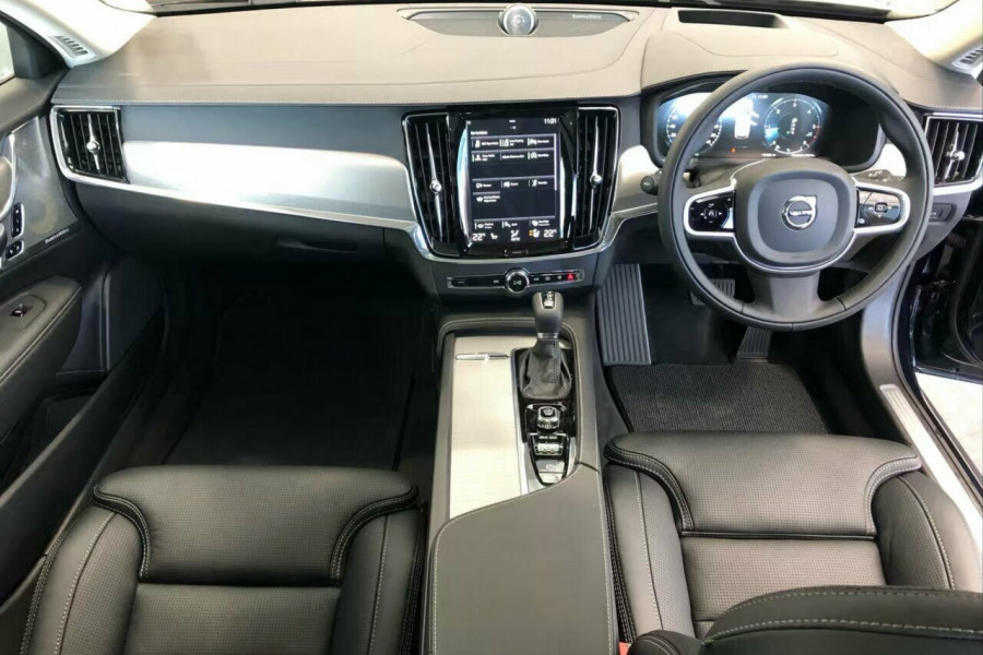 2019 Volvo V90 Cross Country D5 Wagon Mobile Image 12
