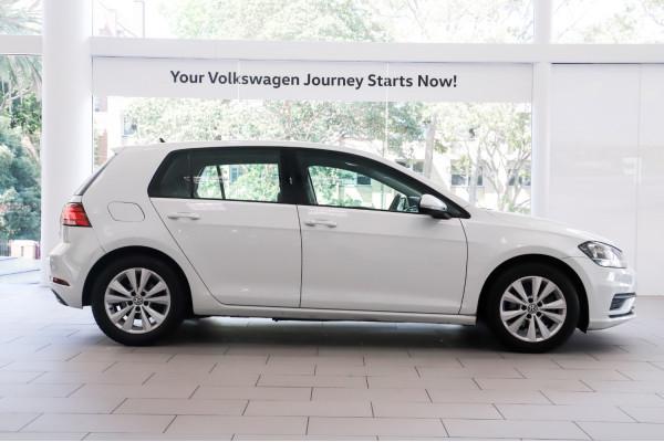 2017 Volkswagen Golf Hatch Image 3