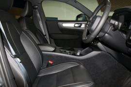 2018 MY19 Volvo XC40 XZ T4 Momentum Suv