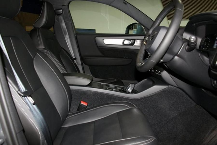 2018 MY19 Volvo XC40 XZ T4 Momentum Suv Mobile Image 8