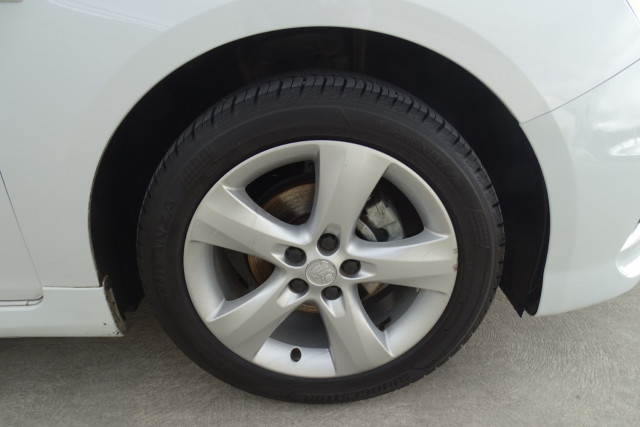2012 Holden Cruze SRi 7 of 22