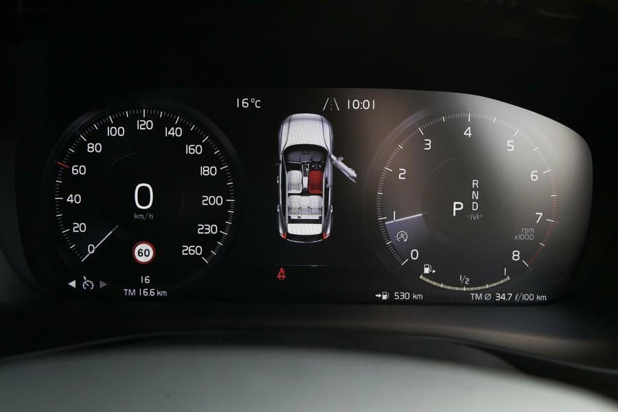 2019 Volvo XC40 T4 Momentum Suv Mobile Image 12