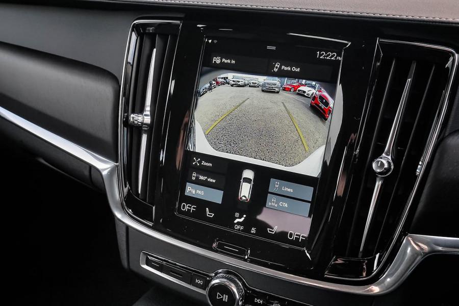 2020 Volvo V90 Cross Country D5 Wagon Image 8
