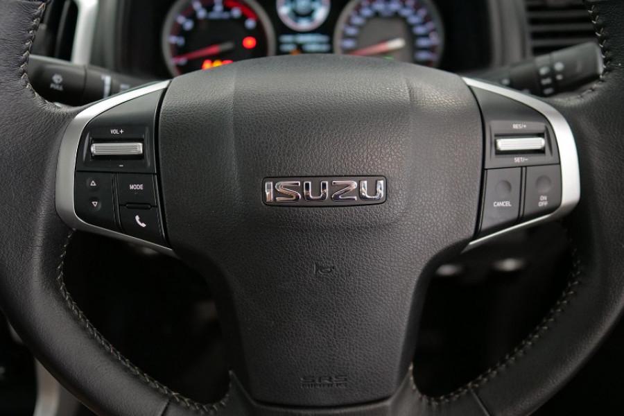 2019 Isuzu UTE D-MAX LS-T Crew Cab Ute 4x4 Utility Image 12