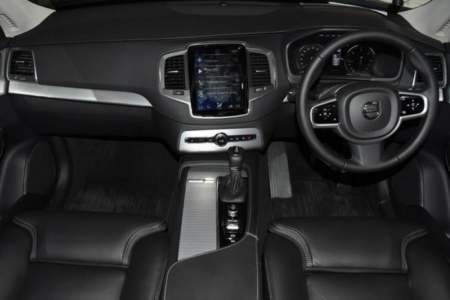 2019 Volvo XC90 (No Series) MY19 D5 Momentum Suv Mobile Image 6