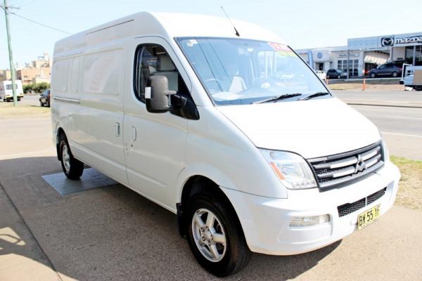2012 LDV V80 SH-57-A Cargo Van Image 4