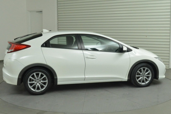 2012 Honda Civic 9th Gen VTi-S Hatchback Image 2