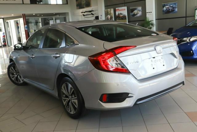 2020 Honda Civic Sedan 10th Gen VTi-L Sedan Image 4