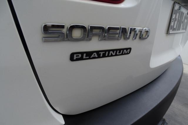 2012 Kia Sorento Platinum 8 of 23