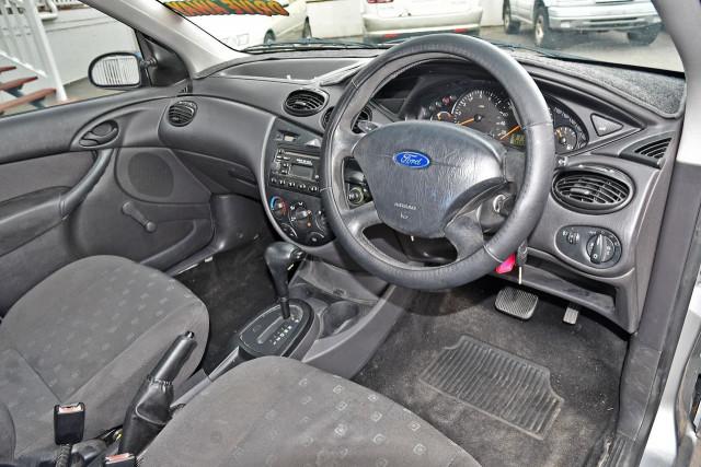 2003 Ford Focus LR MY03 CL Hatchback Image 8