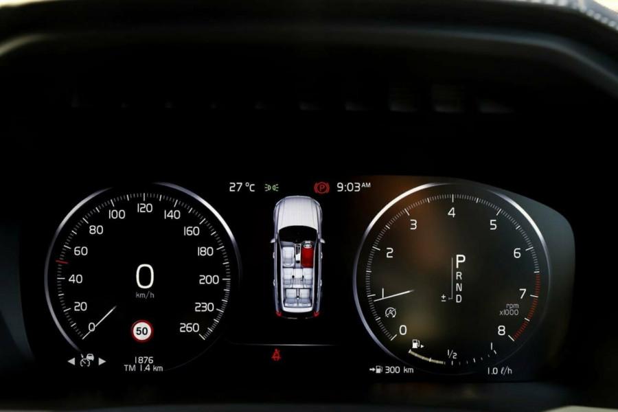 2019 Volvo XC90 L Series T6 R-Design Suv Mobile Image 12