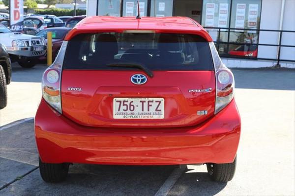 2013 Toyota Prius ZVW30R MY12 Liftback Image 3