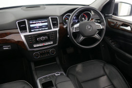 2013 Mercedes-Benz M-class W166 ML350 BlueTEC Wagon Image 5