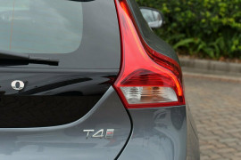 2017 MY18 Volvo V40 M Series T4 Inscription Hatchback