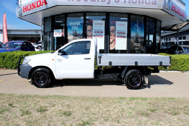 2012 Toyota HiLux TGN16R  Workmate Cab chassis - single cab Image 5