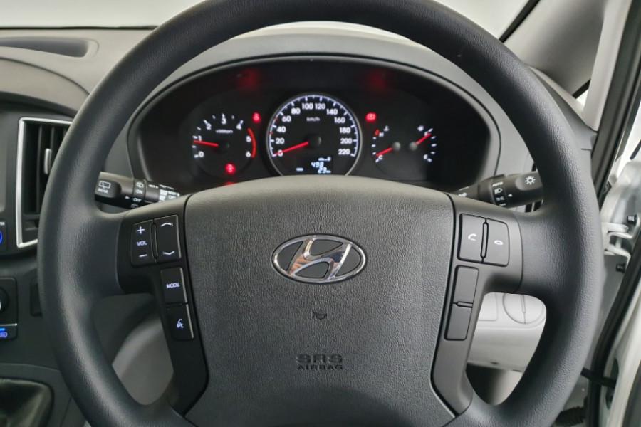 2019 Hyundai iLoad TQ4 Van Van Image 10