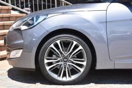 2016 Hyundai Veloster FS4 Series II + Hatchback Image 5