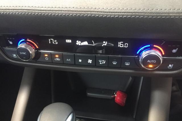 2019 Mazda 6 GL1033 Turbo Atenza Wagon Mobile Image 20
