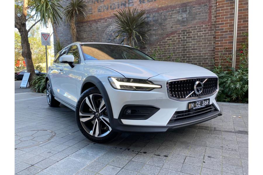 2022 MYon Volvo V60 B5 Cross Country Wagon