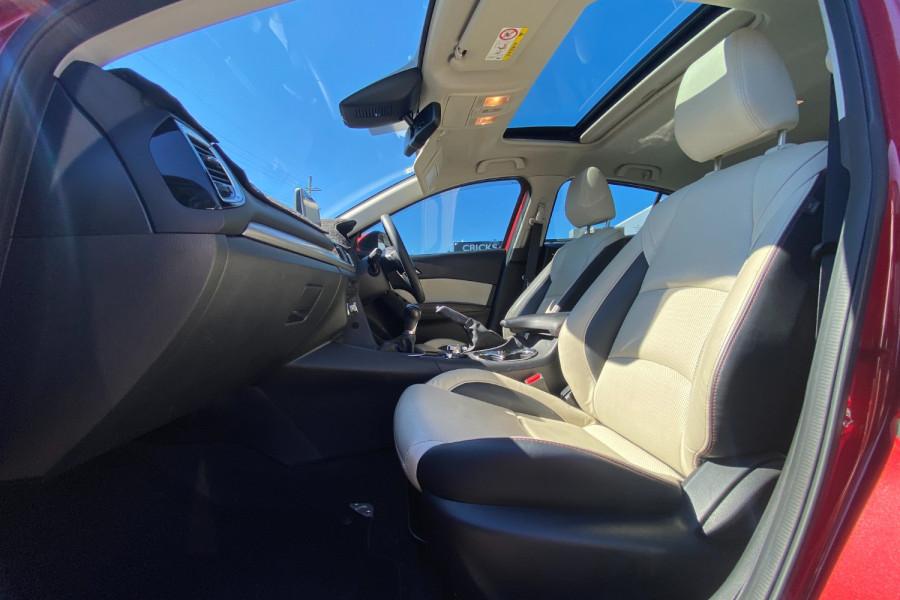 2015 Mazda 3 GT Image 16