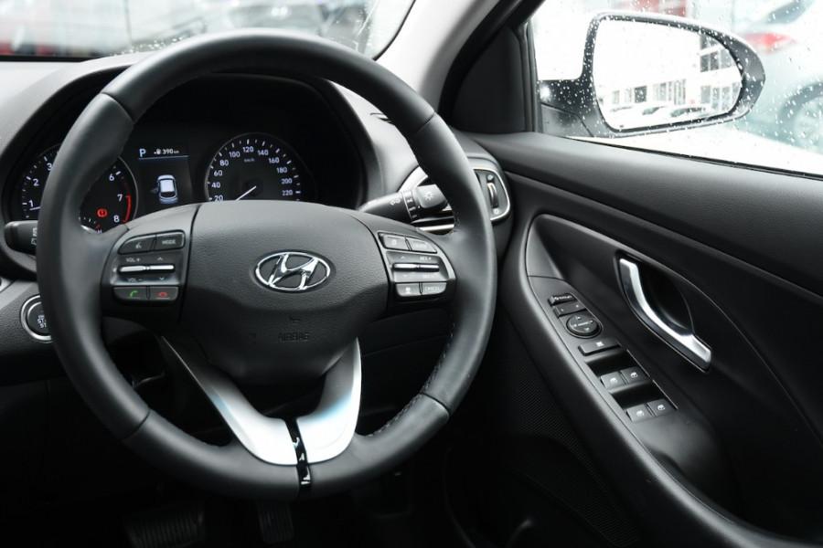 2019 Hyundai i30 PD2 Premium Hatchback Image 9