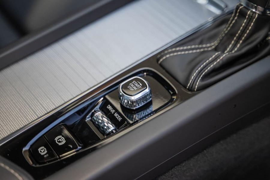 2019 MY20 Volvo S60 Z Series T5 R-Design Sedan Image 14