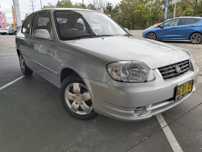 2005 MY04 Hyundai Accent LC  GL Hatchback image 1