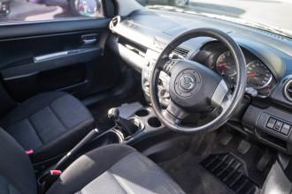 2005 Mazda 2 DY Series 1 Maxx Hatchback Image 5