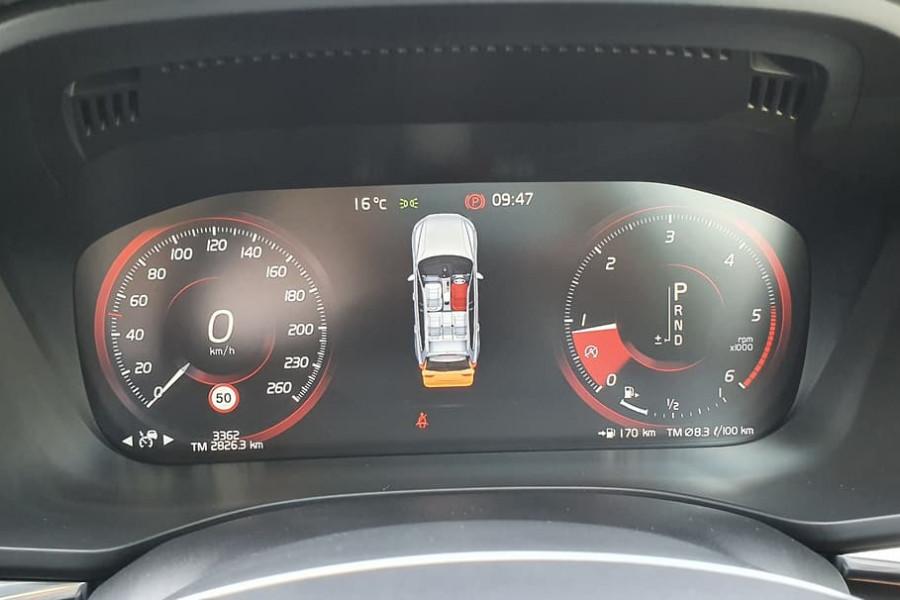 2020 Volvo XC60 UZ D4 Momentum Suv Mobile Image 18