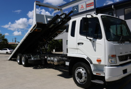 Fuso Fighter 2427 MANUAL TILT TOW FREE SERVICING 2427 TOW + TILT