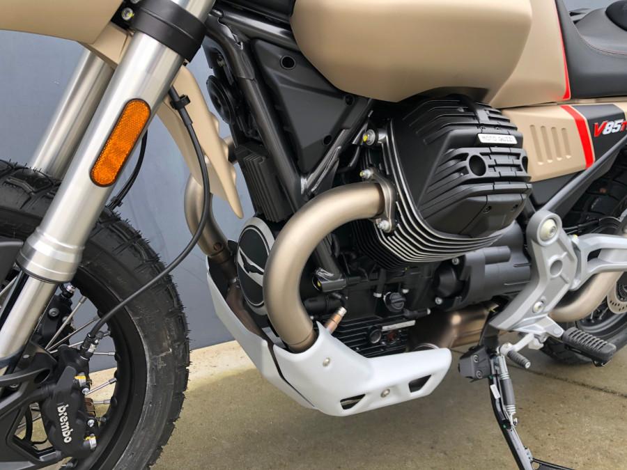 2020 Moto Guzzi V85TT Travel Motorcycle Image 7