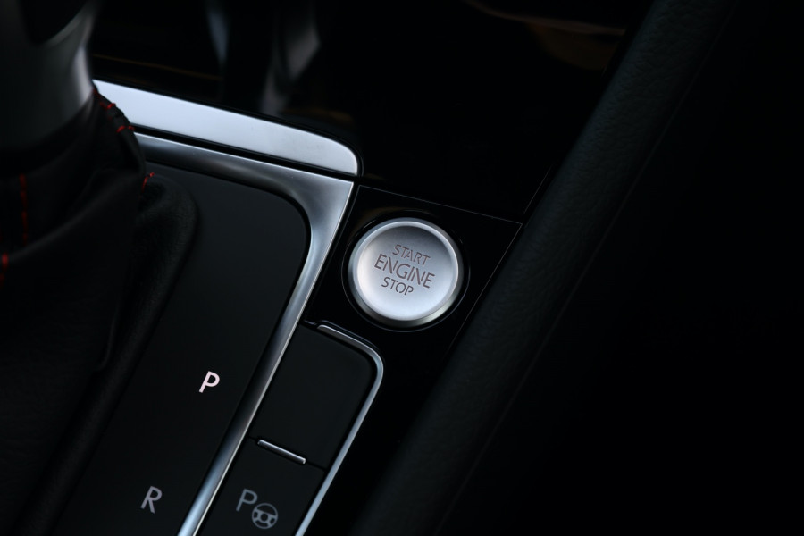 2020 Volkswagen Golf 7.5 GTI Hatchback Image 18